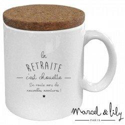 """Mug avec son couvercle """"La retraite, c'est chouette"""""""